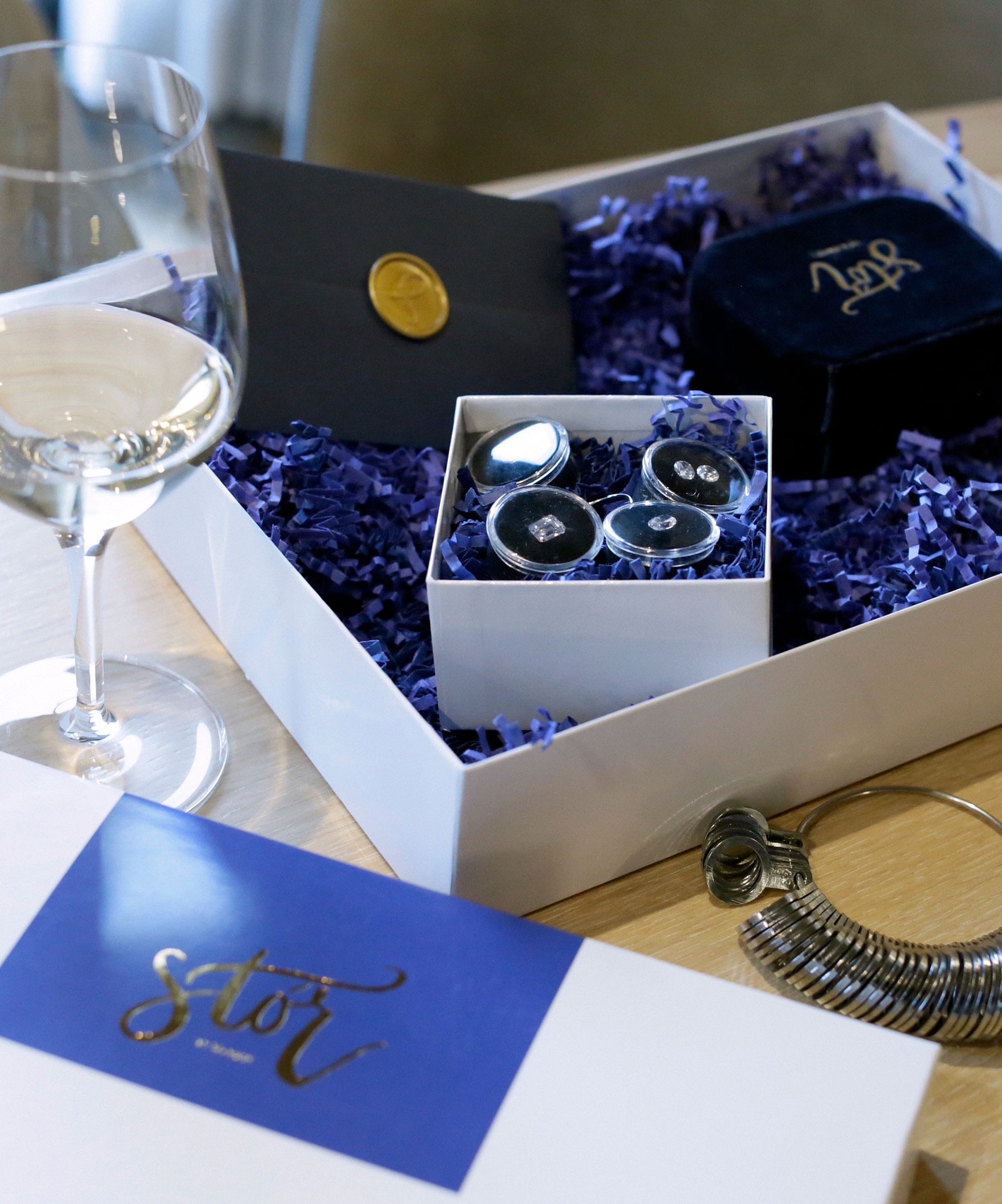 Virtual Ring Experience Box components
